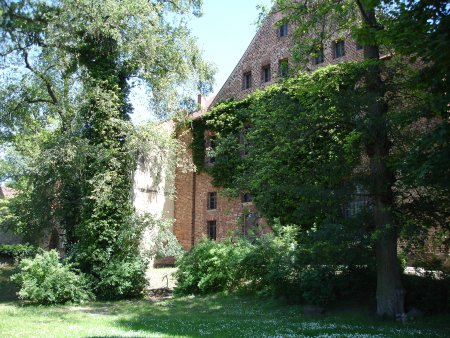 Burg_MTZ.JPG