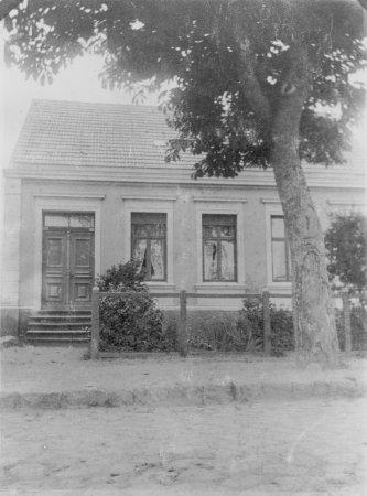 Haus des Ackerbürgers Clasen in der Chausseestraße Nr. 35, um 1920