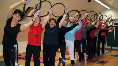 Damensportgruppe seitlich
