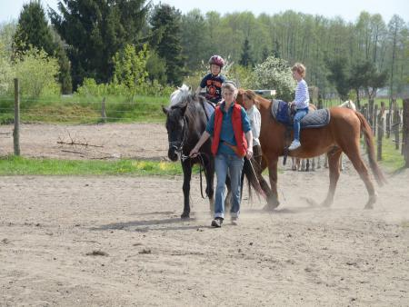 20 Ponyreiten