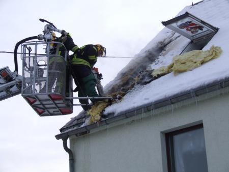Nur durch das Öffnen des Daches kam man an den Brandherd