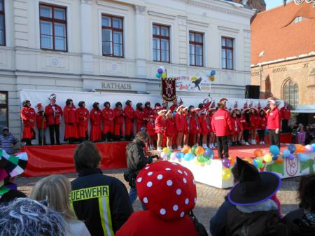 Karnevalsveranstaltung auf dem Markt am 10. Februar 2013