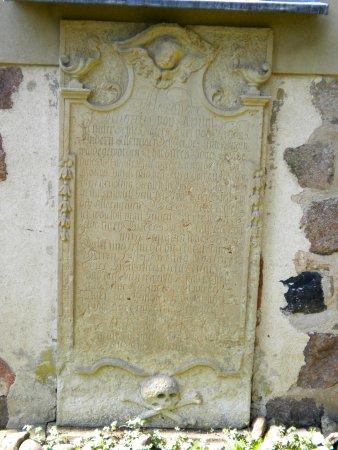 Grabstein Alexander Magnus von Arnim