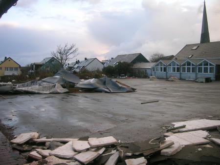 Dach auf dem Schulhof