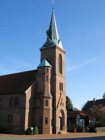 Ströher Kirche Gesamtansicht
