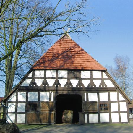 Haupthaus Wege