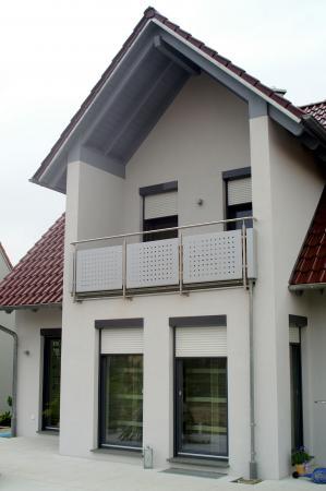 Einfamilienwohnhaus M, Grettstadt - Detail Quergiebel mit Balkon