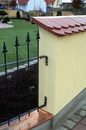 Einfamilienwohnhaus M, Werneck - Gartenmauer mit Zaun