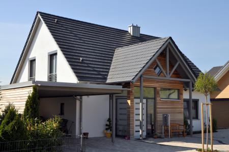 Einfamilienwohnhaus W, Höchberg - Gesamtansicht Front