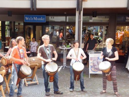 Trommelgruppe Makena begeistert die Besucher
