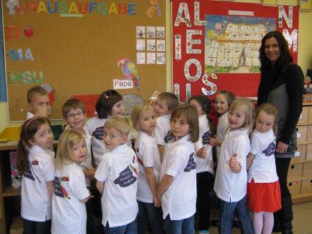 Schul-Poloshirt-Übergabe 2