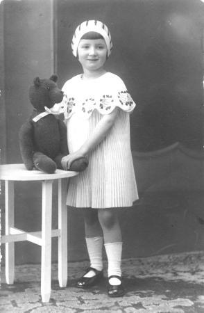 Elfriede Voigt als Kind