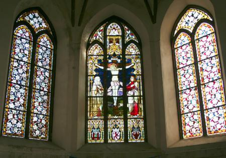 Kirchenfenster im Chorraum