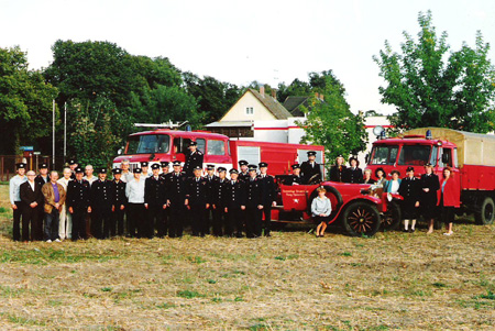 FF_Burg_August_1991_Fahrzeuge.jpg