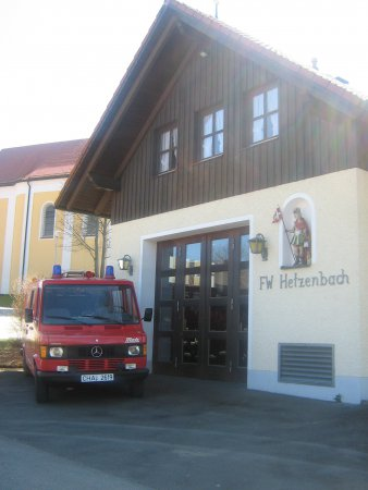 FFW Haus mit Auto6.jpg