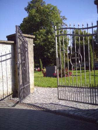 Friedhofstor in Canitz