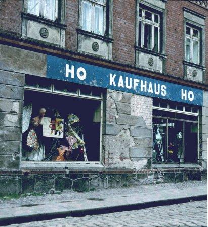 Schaufenster des HO Kaufhauses Markt 2, 1963 (1)