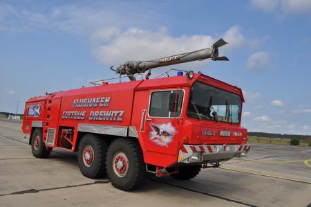Flugfeldlöschfahrzeug (FLF)