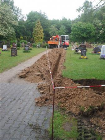 Wasser auf dem Friedhof