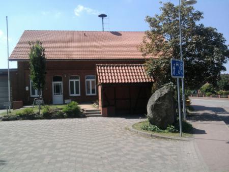 Dorfplatz2
