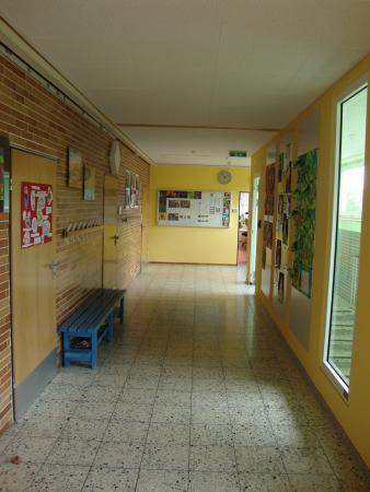 Schulgebäude 7