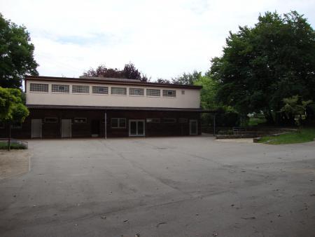 Schulgebäude 8