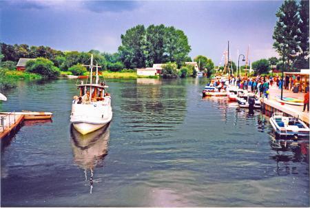 Mit dem 1. Hafenfest am 4.9.1993 wurde der neugestaltete Hafen eingeweiht