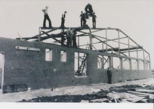 Hallenbau 1977