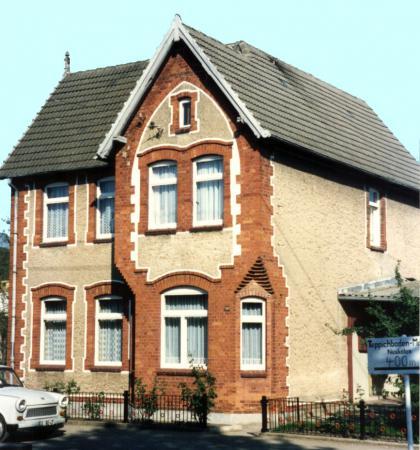 Das Haus Nr. 45 in der Straße der Freundschaft (1991)
