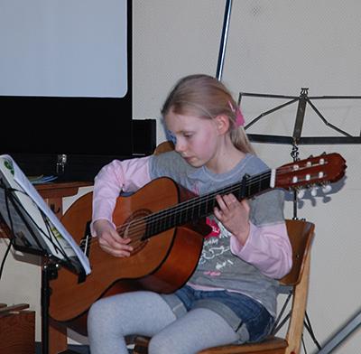 Helen Gitarre