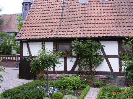HM Hirtenhäuschen Mai 2004.jpg