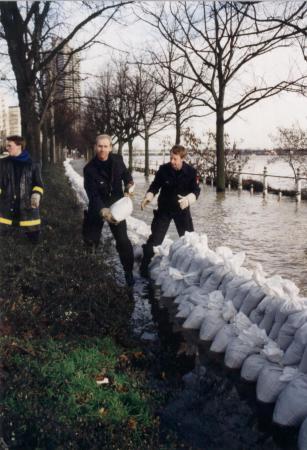 Hochwasser Weihnachten 93_c.JPG