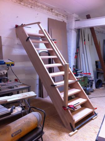 Treppe aus Buche in Fertigung