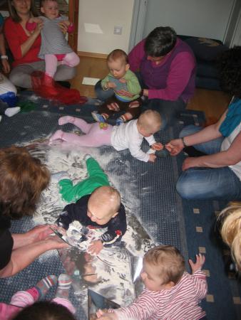 Spiel und Bewegung mit Babys