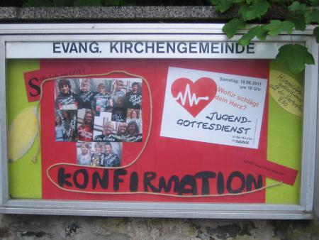 Schaukasten zur Konfirmation 2011