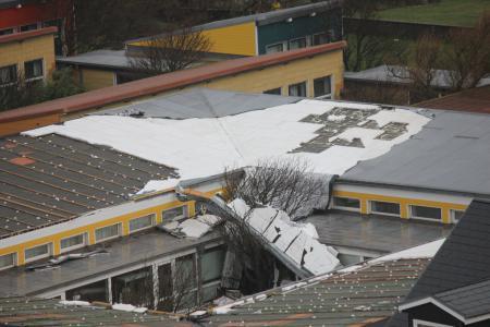 Das Dach ist weg II