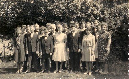 Jugendweihe Kl. 8 1964.jpg