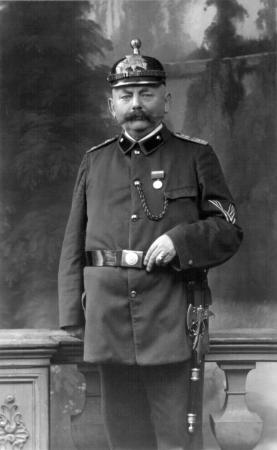 August Kähler als Hauptmann der Feuerwehr, etwa 1910