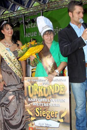 kartoffelsuppenkönigin 2013.jpg