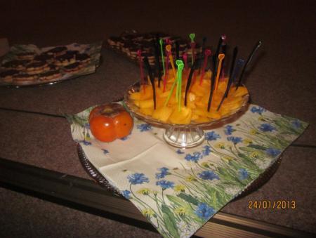 Khaki-Frucht(ganz und in Stücke geschnitten) Praxislernaufgabe eines Schülers