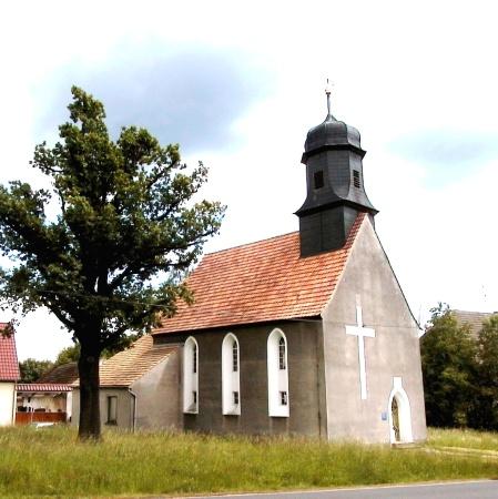 Kirche Dübrichen.JPG