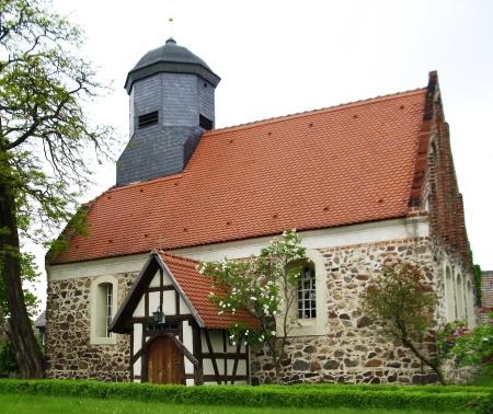 Kirche Friedersdorf 1.JPG