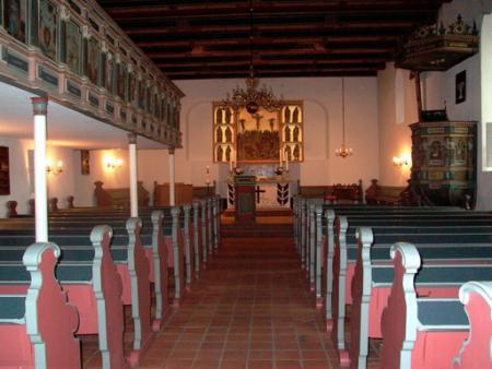 Kirchenschiff.jpg
