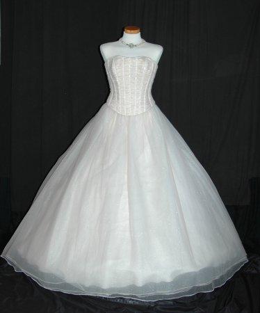 Kleid mit falschem Reifrock