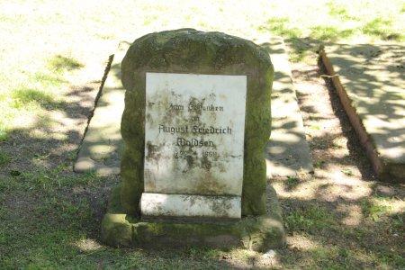 Klosterfriedhof_Gedenkstein_August_Friedrich_Woldsen