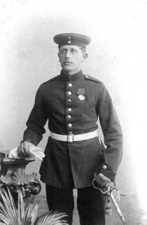 Karl Kohfeldt als Soldat, etwa 1895