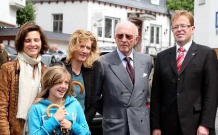 Bürgermeister Horsel mit den hoheitlichen Gästen