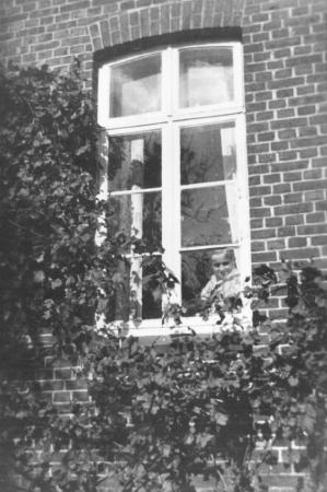 Hans Rademacher als Typhuspatient im Neukalener Krankenhaus, 1936