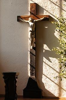 Kreuz in der Auferstehungskirche Dessau