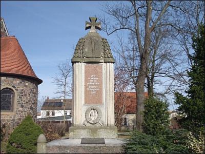 kriegerdenkmal_3.jpg